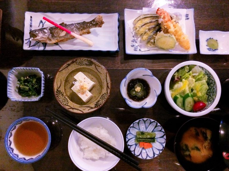 traveling on a budget in Tokyo food