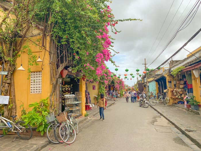 responsible travel in Hoi an - bicycle