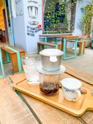 responsible travel in Hoi an - phinh coffee
