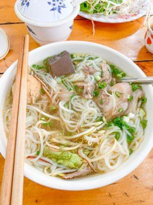 responsible travel vietnam - bun bo hue