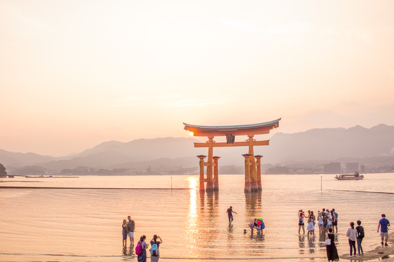 Miyajima itinerary - crowds