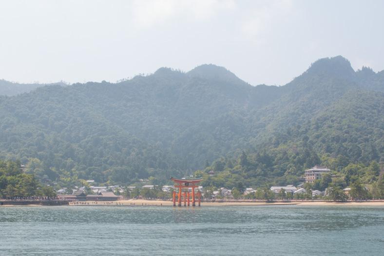Miyajima itinerary - torii gate 4