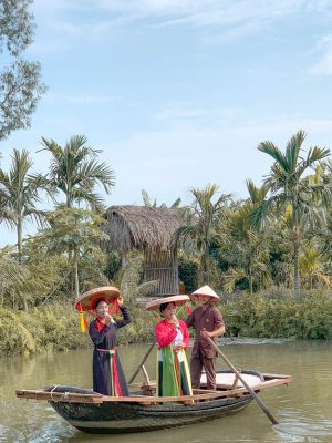 things to know before you go to Vietnam - singing