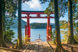 Bucket list experiences Japan- Hakone Shrine