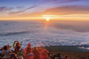Bucket list experiences Japan- Mt Fuji at Sunrise
