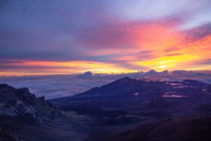 Things to do in Maui - sunrise at Haleakala Crater