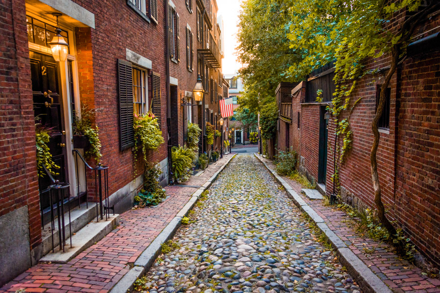 Beacon Hill Boston Alley way