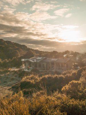 New Zealand North island itinerary - Tongariro Northern Circuit hut at sunset